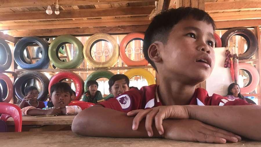 Kambodscha: In der Schule aus Müll